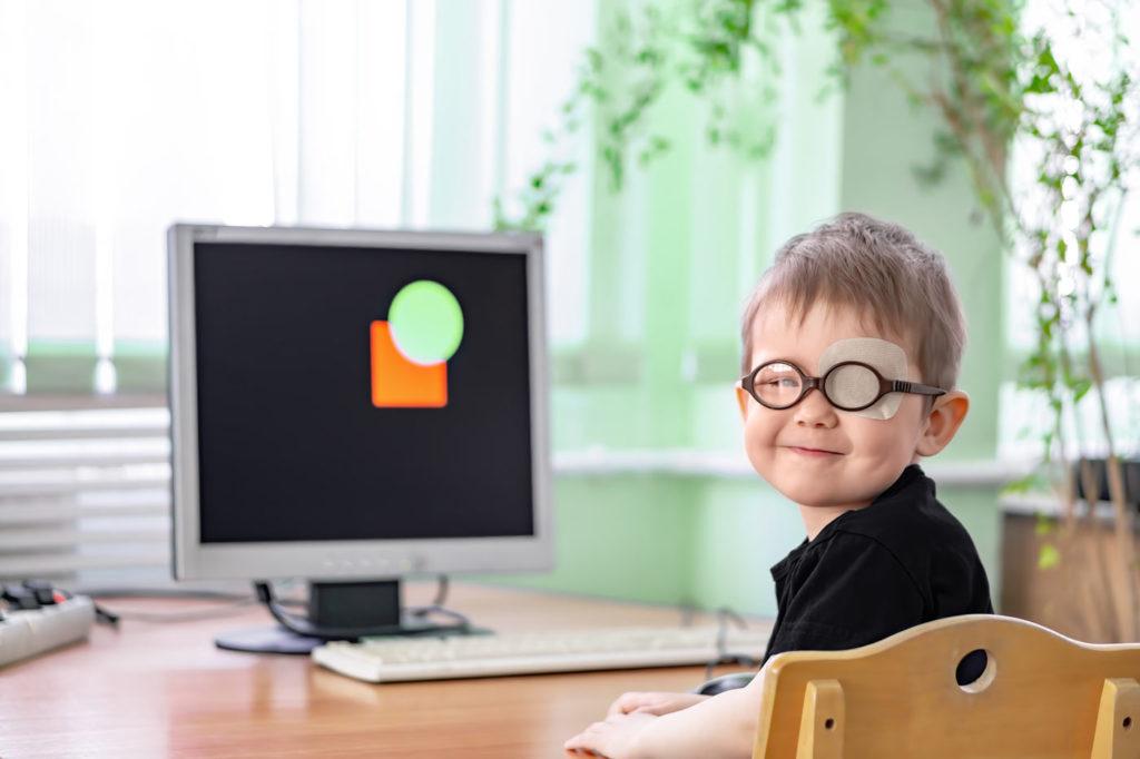 hyperopia test by kid