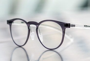 nikon photochromic lenses